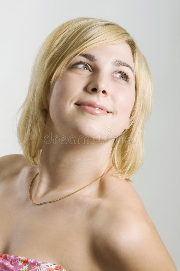 piękna blond uśmiechnięta kobieta obraz stock