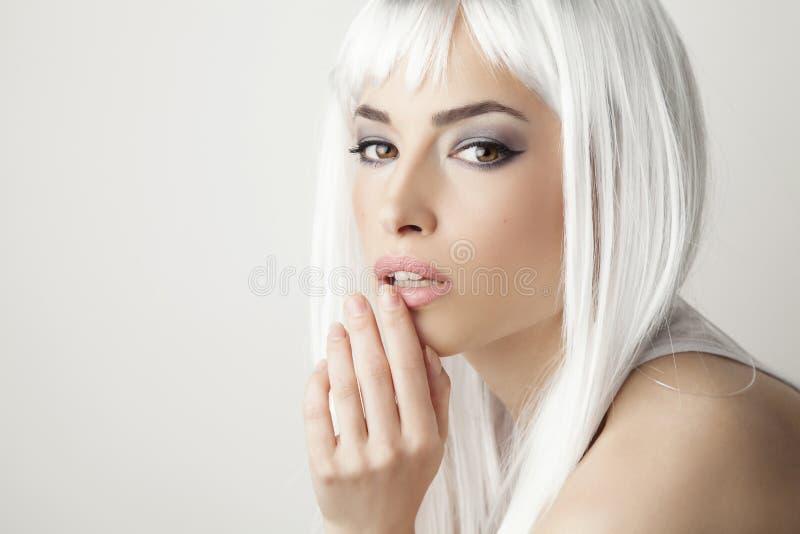 Piękna blondyn kobieta fotografia royalty free