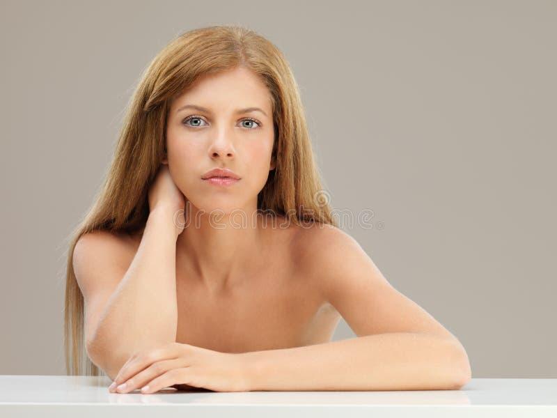 piękna blondynki portreta kobiety potomstwa obraz royalty free