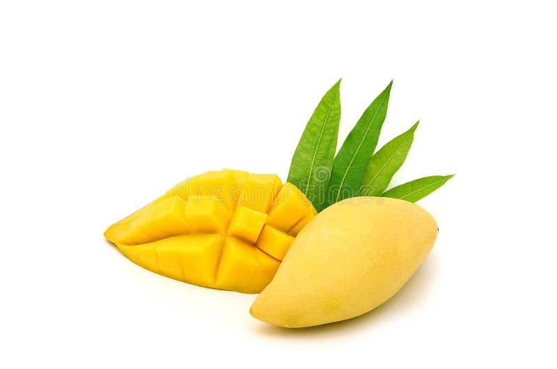 Piękna Dojrzała mangowa owoc odizolowywająca na białym tle zdjęcia stock