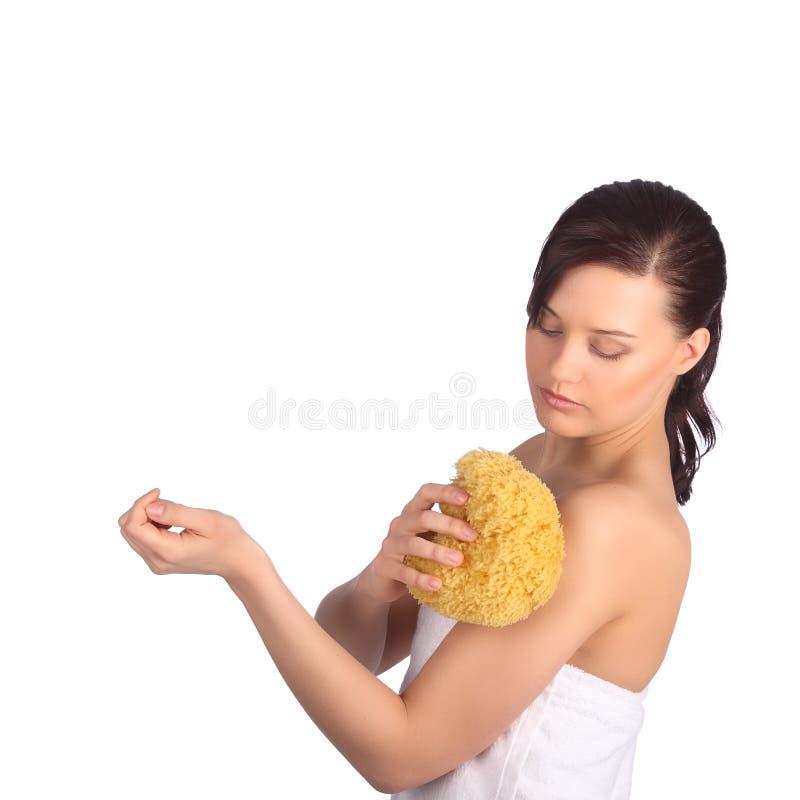 Piękna dziewczyna myje jej ciało prysznic gel obrazy stock
