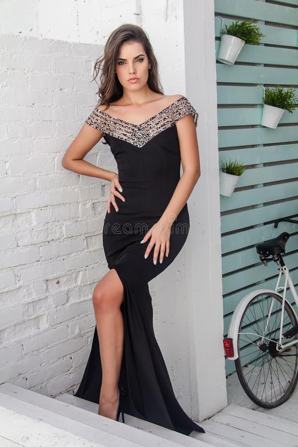 Piękna dziewczyna w lato sukni zdjęcie royalty free