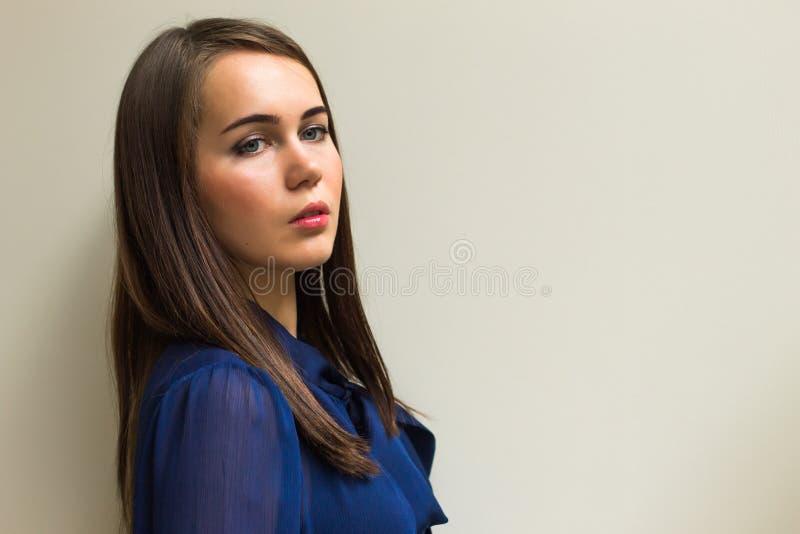 Download Piękna Dziewczyna W Pięknym Mieście Obraz Stock - Obraz złożonej z delicje, jego: 41952631