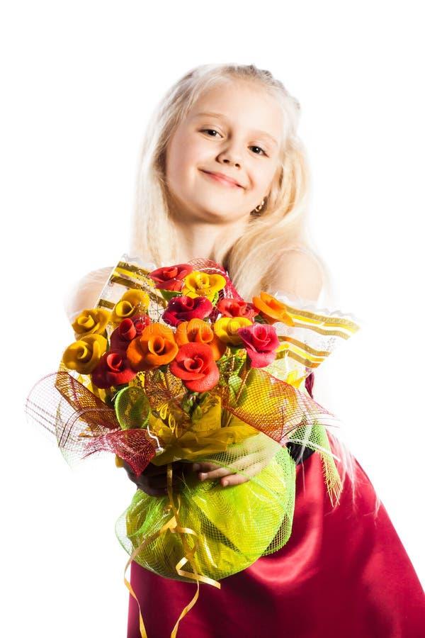 Piękna dziewczyna z bukietem fotografia stock