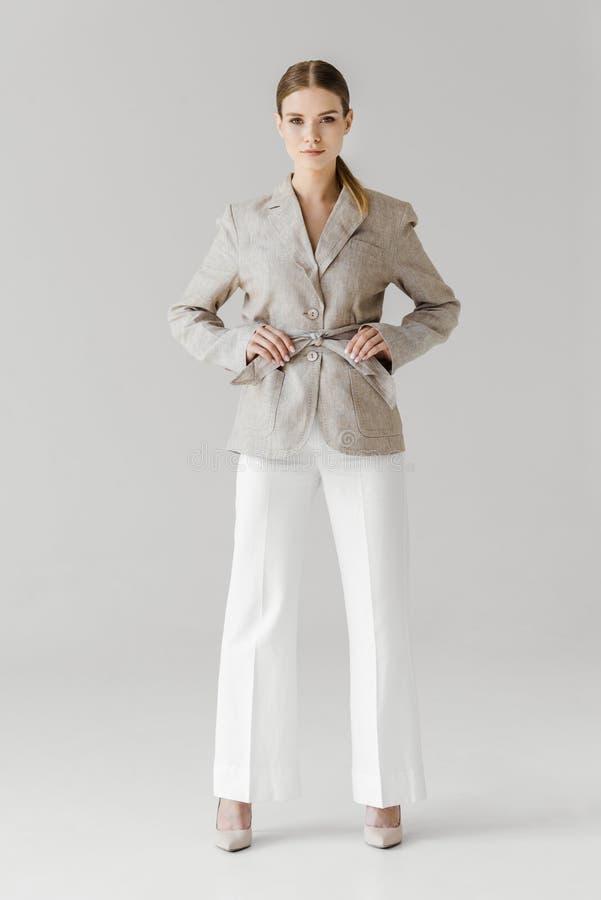 piękna elegancka kobieta przystosowywa pasek bieliźniana kurtka obraz royalty free