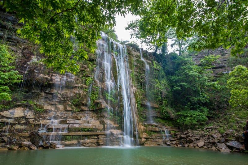 Piękna fantastyczna głęboka lasowa siklawa przy Adana, Turcja, Simit siklawa fotografia royalty free