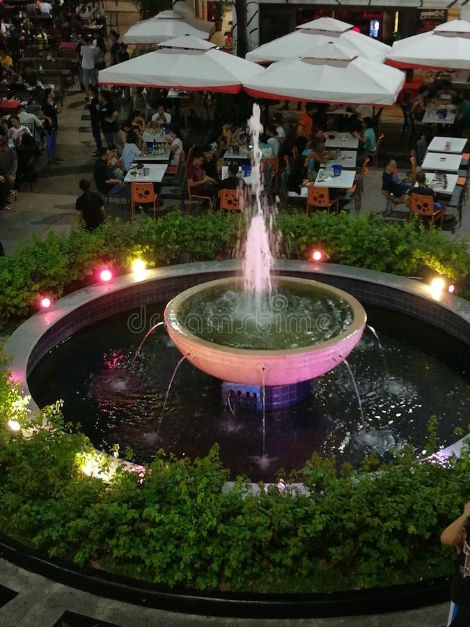 Piękna fontanna zdjęcia royalty free