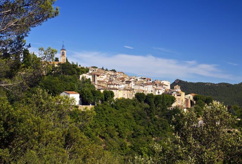 Piękna Francuska górska wioska Bagnols en Foret obraz stock