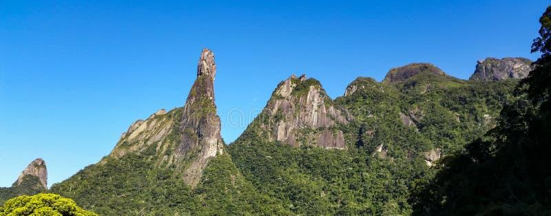 Piękna góra, palec bóg w Teresopolis mieście zdjęcia stock