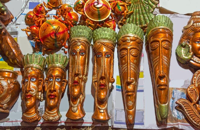 Piękna handmade terakotowa plemienna twarz mężczyźni i kobiety obraz stock