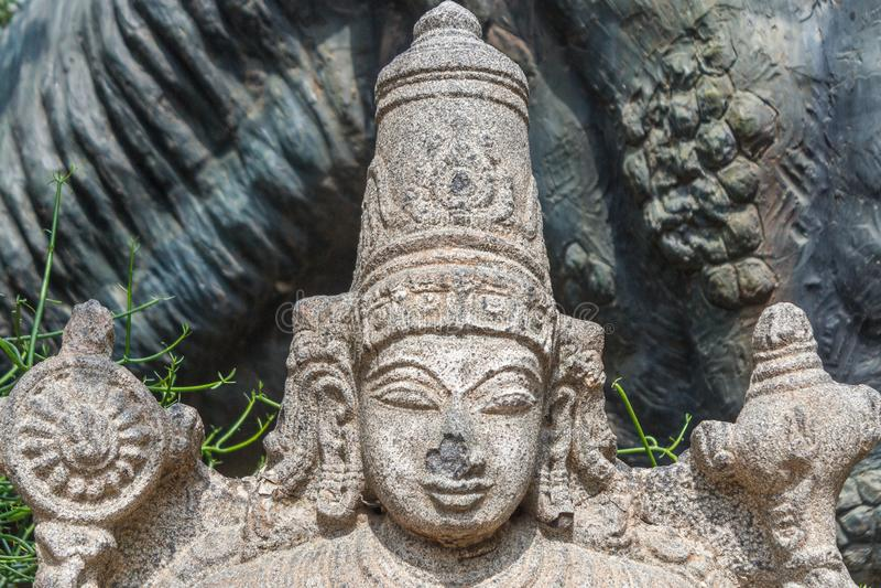 Piękna hinduska boga, lord vishnu, rzeźba z kamienia obrazy stock