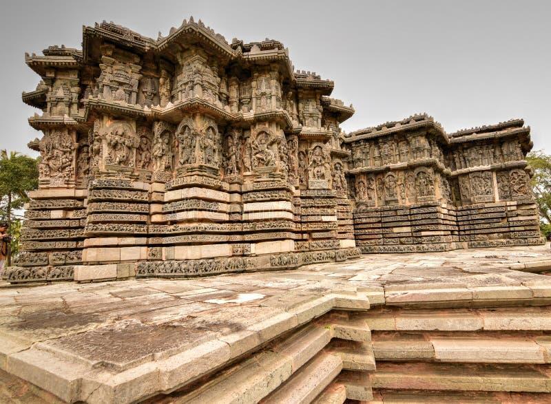 Piękna Hoysala architektura przy Hoysaleshwara i Kedareshwara świątyniami w Halebidu zdjęcie stock