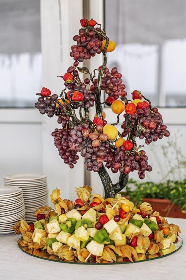 Piękna instalacja owoc, catering, przekąska zdjęcia stock