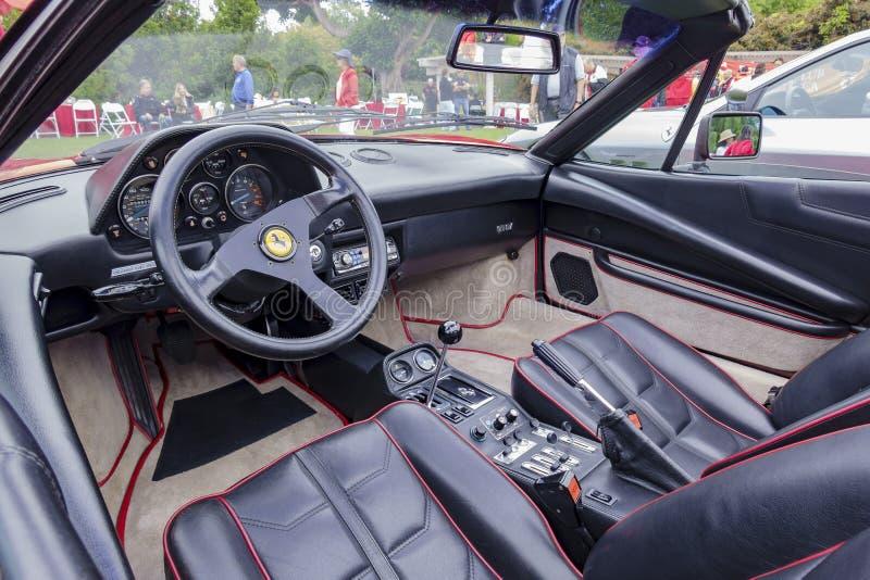 Piękna jeżdżenie strona Ferrari samochód zdjęcie royalty free