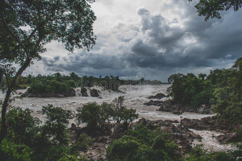 Piękna Khone Phapheng spadków rzeka Laos w Azja Południowo-Wschodnia zdjęcia royalty free