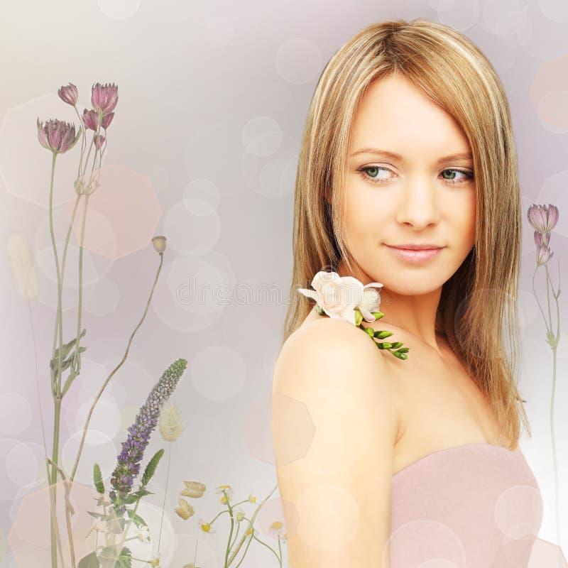 Piękna kobieta, fantazi tło zdjęcia royalty free