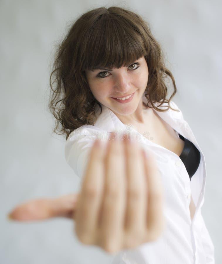 Piękna kobieta i prowokujący gest obrazy royalty free