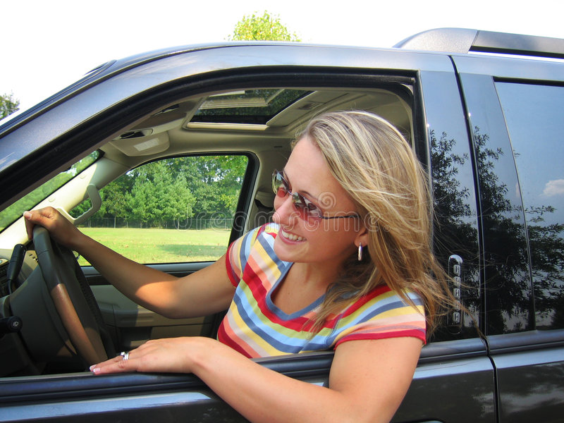 piękna kobieta kierowcy zdjęcie royalty free