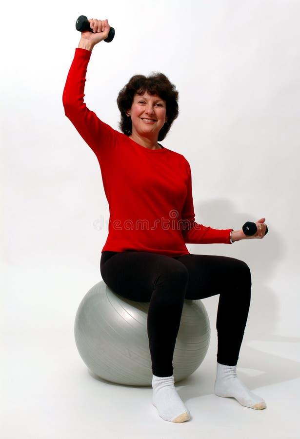 Piękna Kobieta Na Siłowni Fizycznej Fitness Zdjęcie Stock