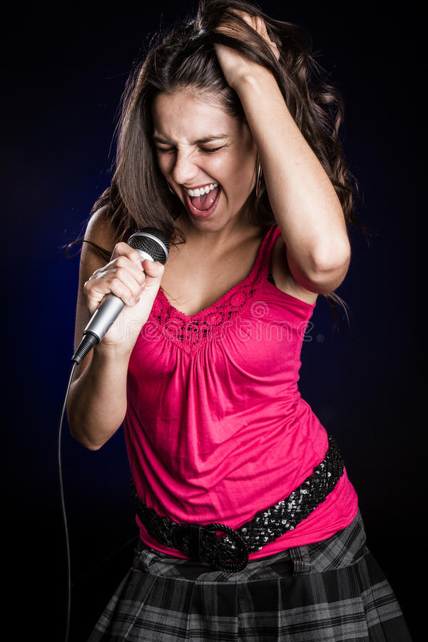 Piękna kobieta Singinger obrazy stock