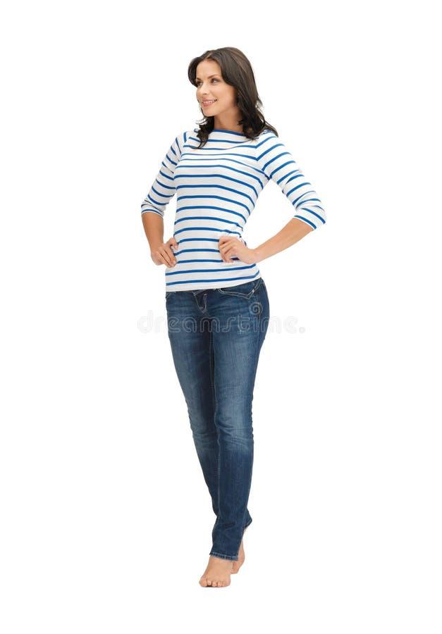 Piękna kobieta w przypadkowych ubraniach zdjęcia stock