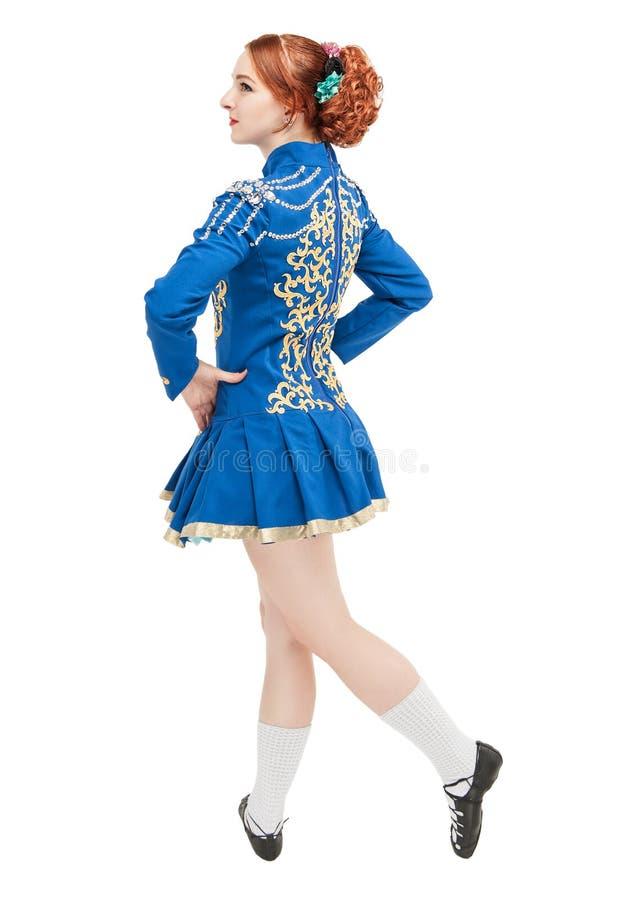 Piękna kobieta w sukni dla Irlandzkiego tana odizolowywającego zdjęcie royalty free