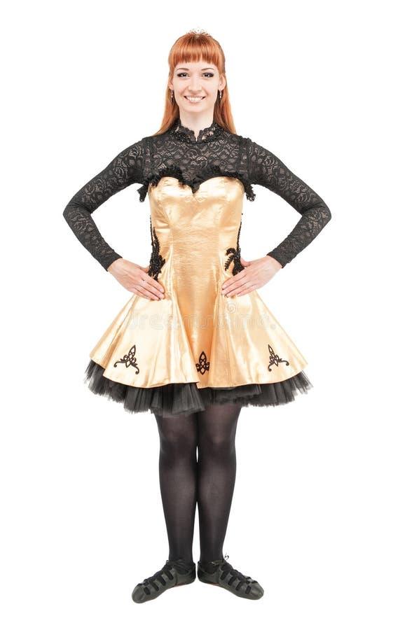 Piękna kobieta w sukni dla Irlandzkiego tana odizolowywającego obraz stock