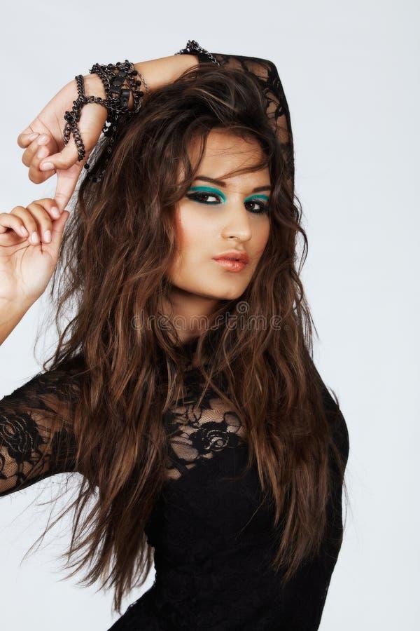 Piękna kobieta z długie włosy w koronce obrazy stock