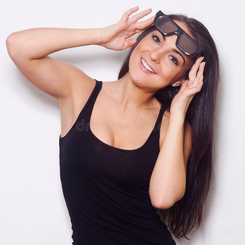 Studio strzelał piękna kobieta z 3D glasess obrazy royalty free