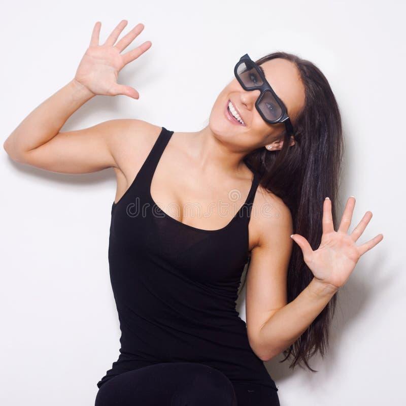 Studio strzelał piękna kobieta z 3D glasess fotografia stock