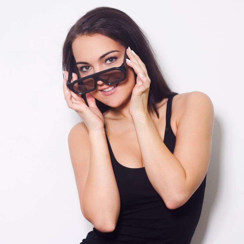 Studio strzelał piękna kobieta z 3D glasess zdjęcie royalty free