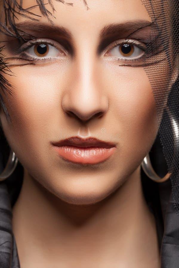 Piękna kobieta z modą uzupełniał zdjęcia royalty free