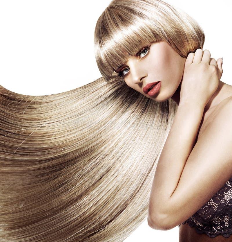 Piękna kobieta z modną fryzurą zdjęcie stock