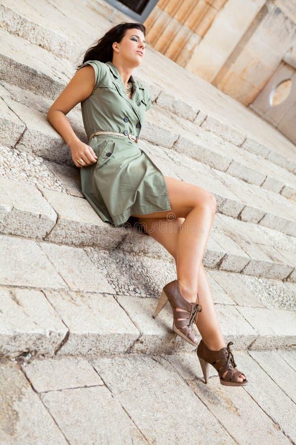 Piękna kobieta z nadąsanym wyrażeniem zdjęcie royalty free