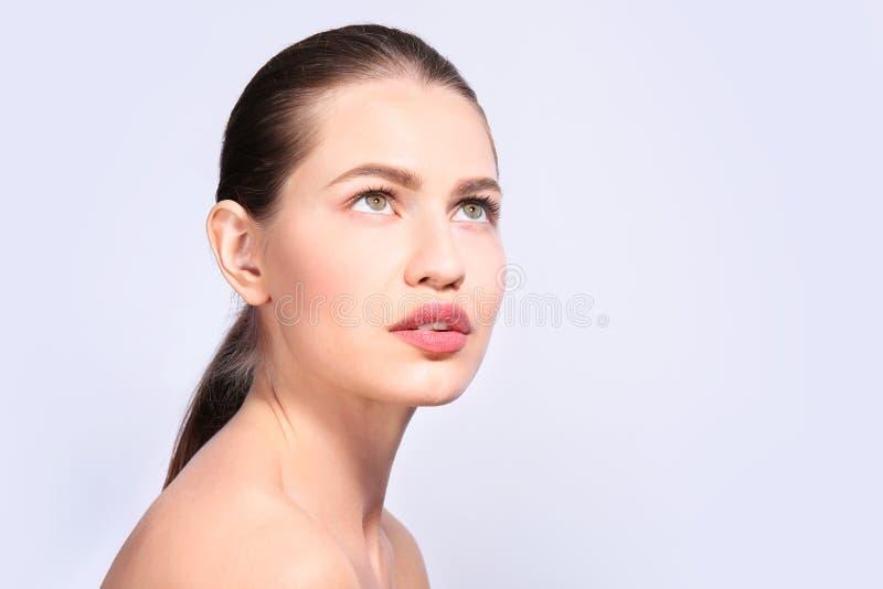 Piękna kobieta z perfect brwiami fotografia stock
