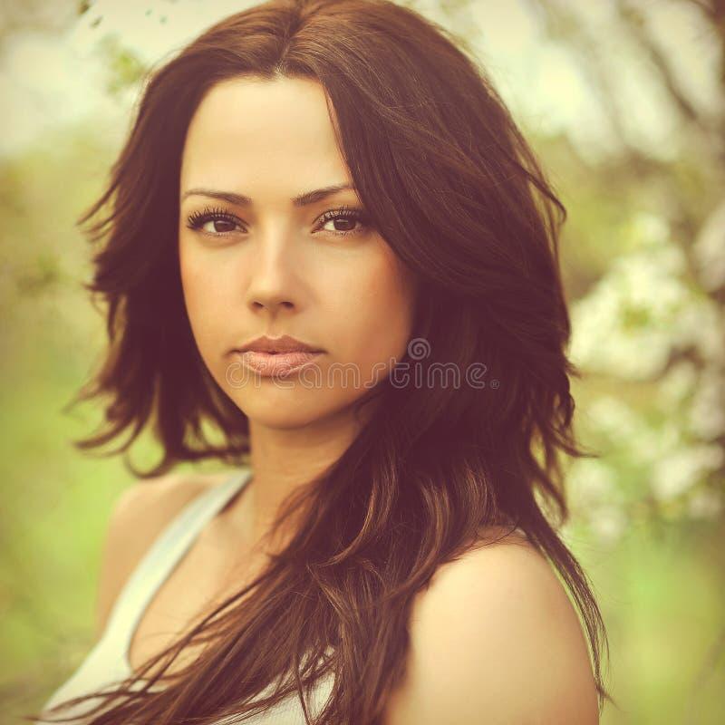 Piękna kobiety twarz - outdoors zdjęcie royalty free