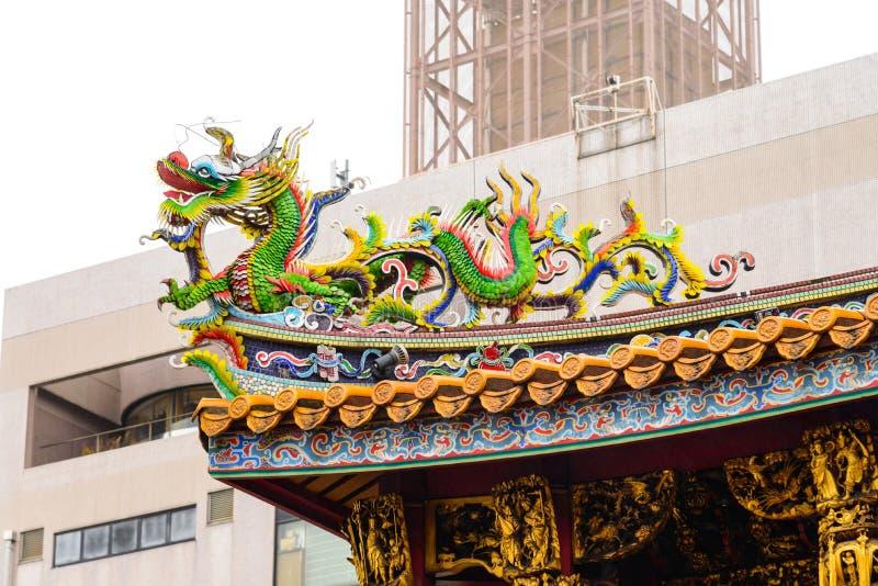 Piękna kolorowa rdragon mozaiki dekoraci statua, rzeźba/ zdjęcie royalty free