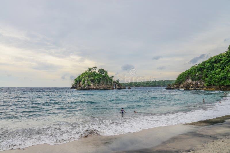 Piękna kryształ zatoki plaża fotografia royalty free