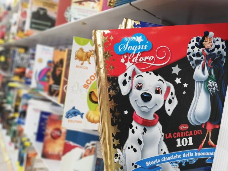 Piękna książka bajki dla dzieci obrazy royalty free