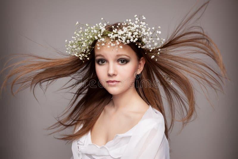 piękna kwiatów portreta wianek zdjęcia stock
