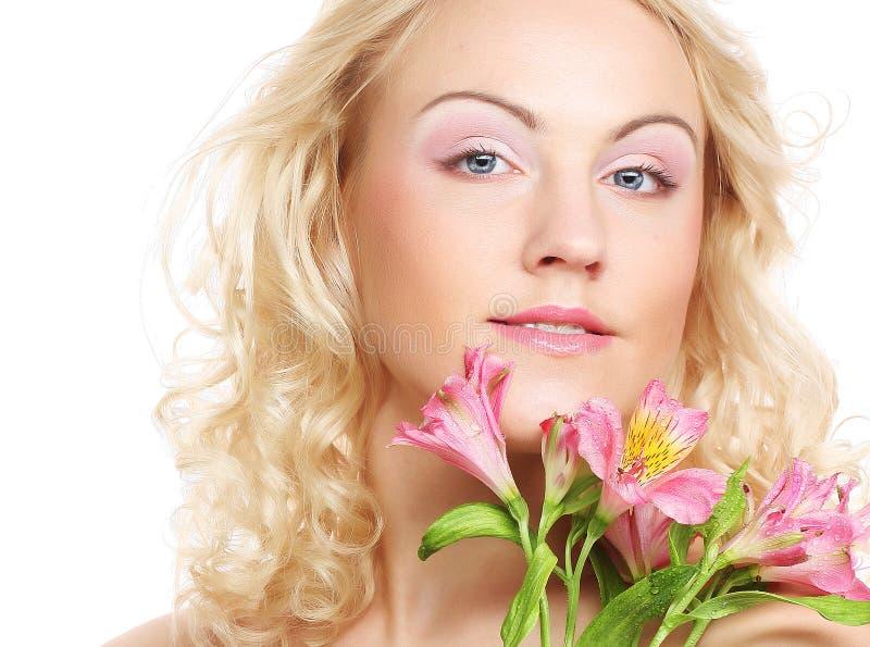 piękna kwiatu menchii kobieta obraz stock