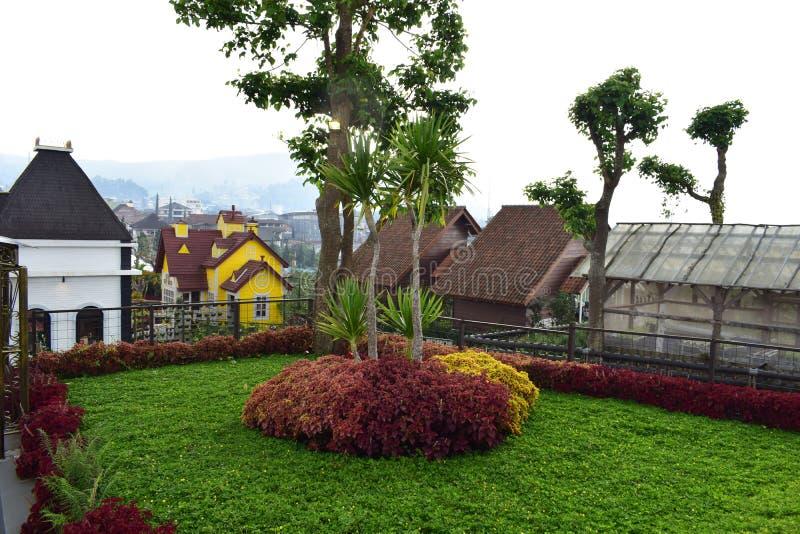 Piękna lanscape i panoramiczna zielona trawa zdjęcie stock