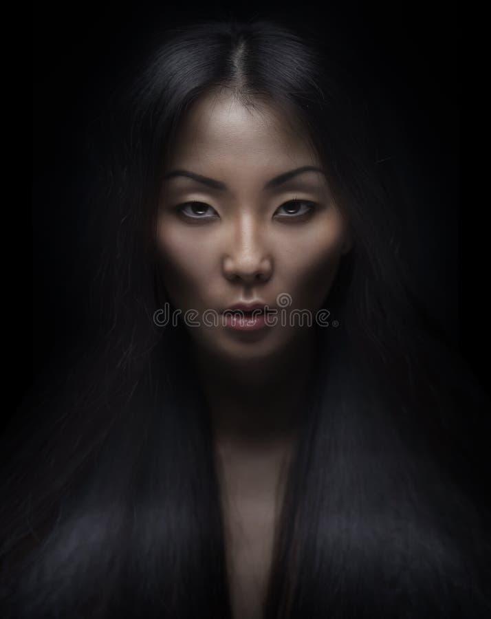 Piękna młoda azjatykcia kobieta zdjęcia stock