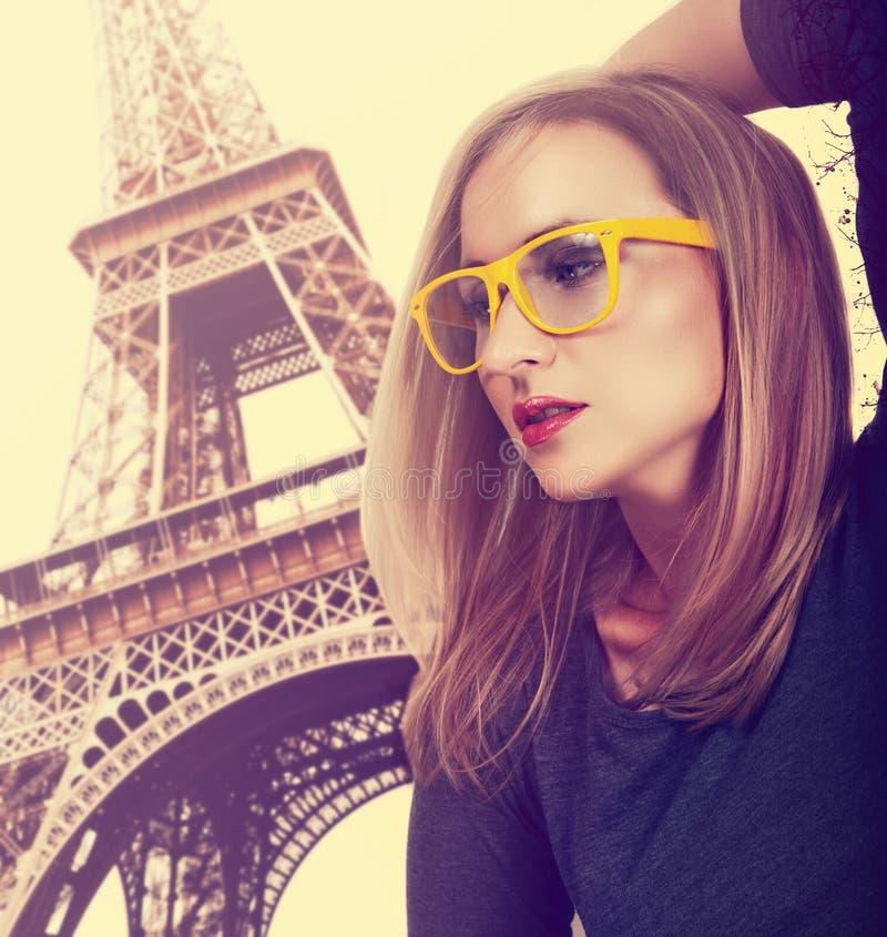 Piękna młoda blond kobieta zdjęcie stock