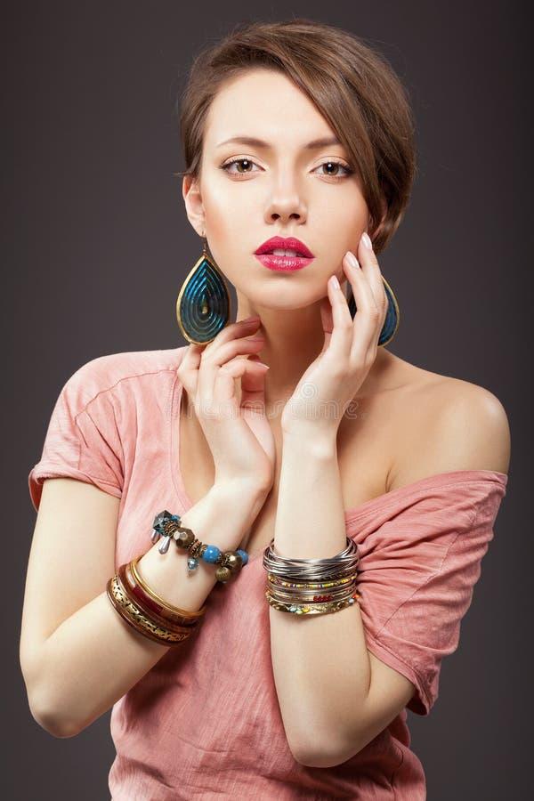 Piękna młoda kobieta z makeup obrazy stock