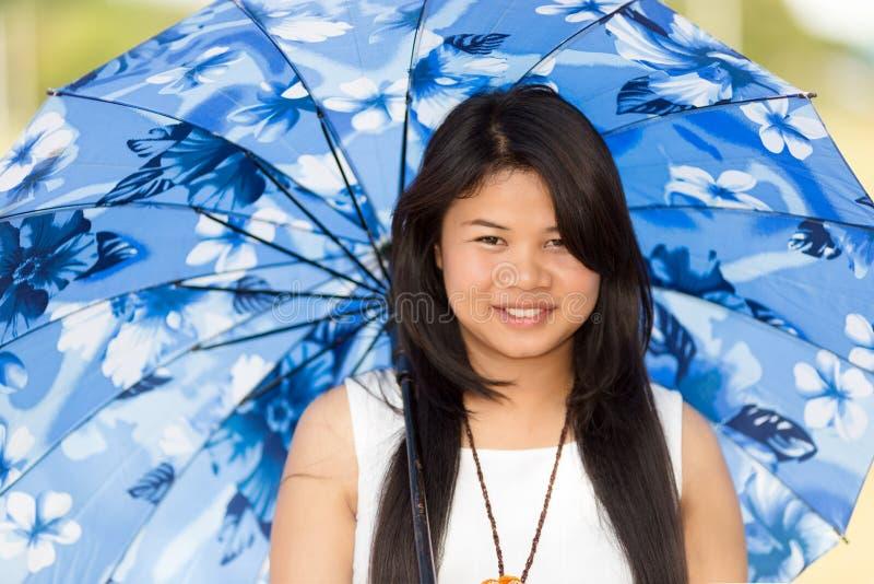 Piękna młoda Tajlandzka dziewczyna zdjęcia stock