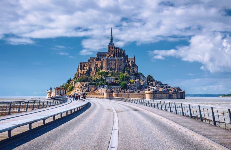 Piękna Mont saint michel katedra na wyspie, Normandy, N obrazy royalty free