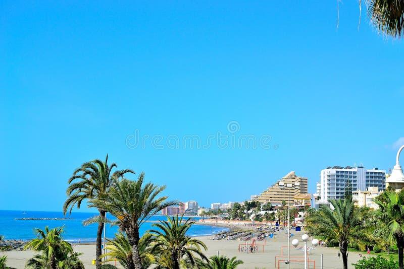 piękna morze plaża w Benalmadena, Costa Del Zol zdjęcia stock