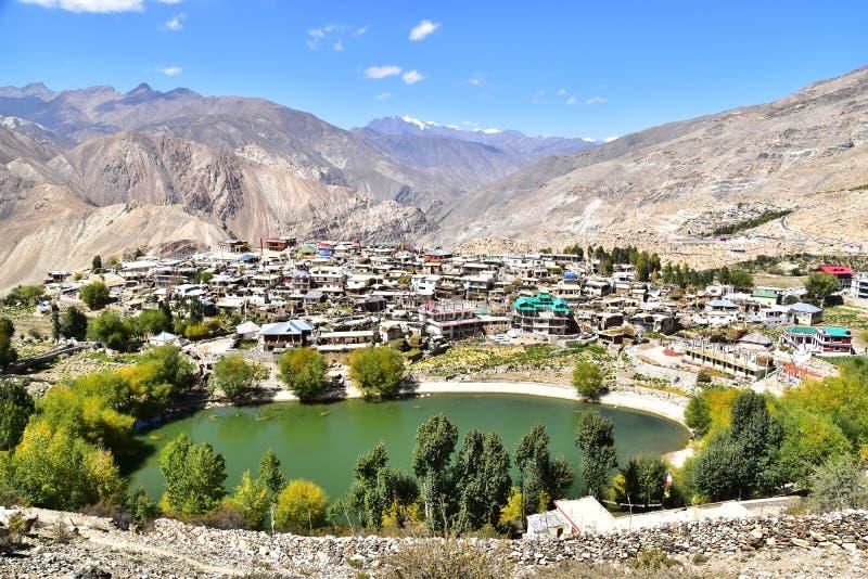 Piękna Nako wioska z czystym jeziorem od Kinnaur Himachal Pradesh India obrazy stock