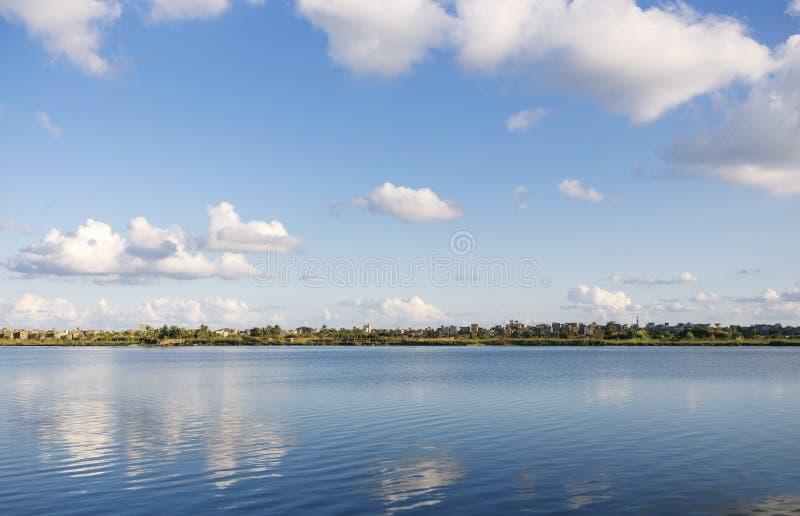 Piękna natura linia brzegowa Nil rzeka, Damietta, Egipt zdjęcia stock